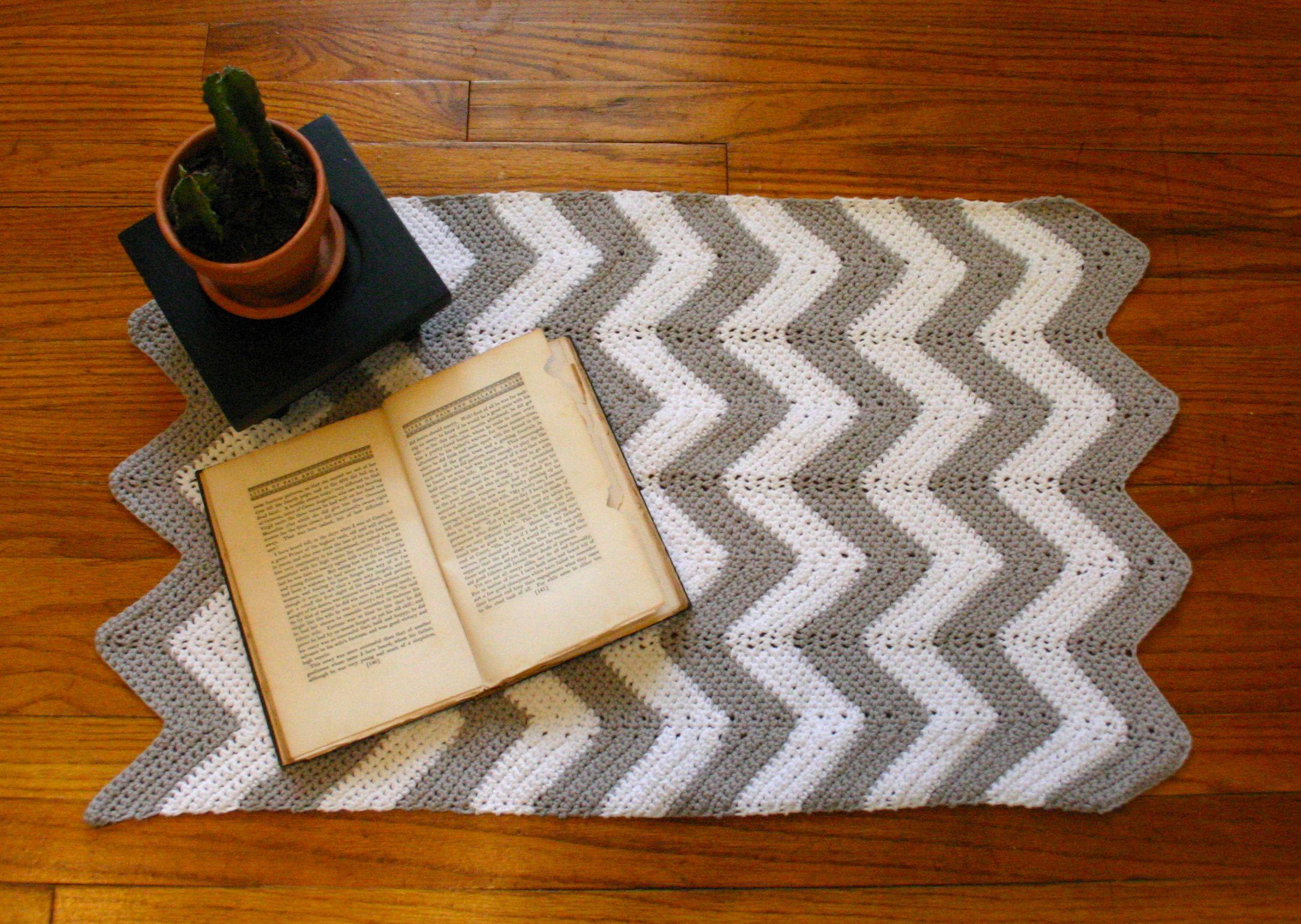 Crochet Pattern For Zig Zag Rug : crochet Love Is All You Knit