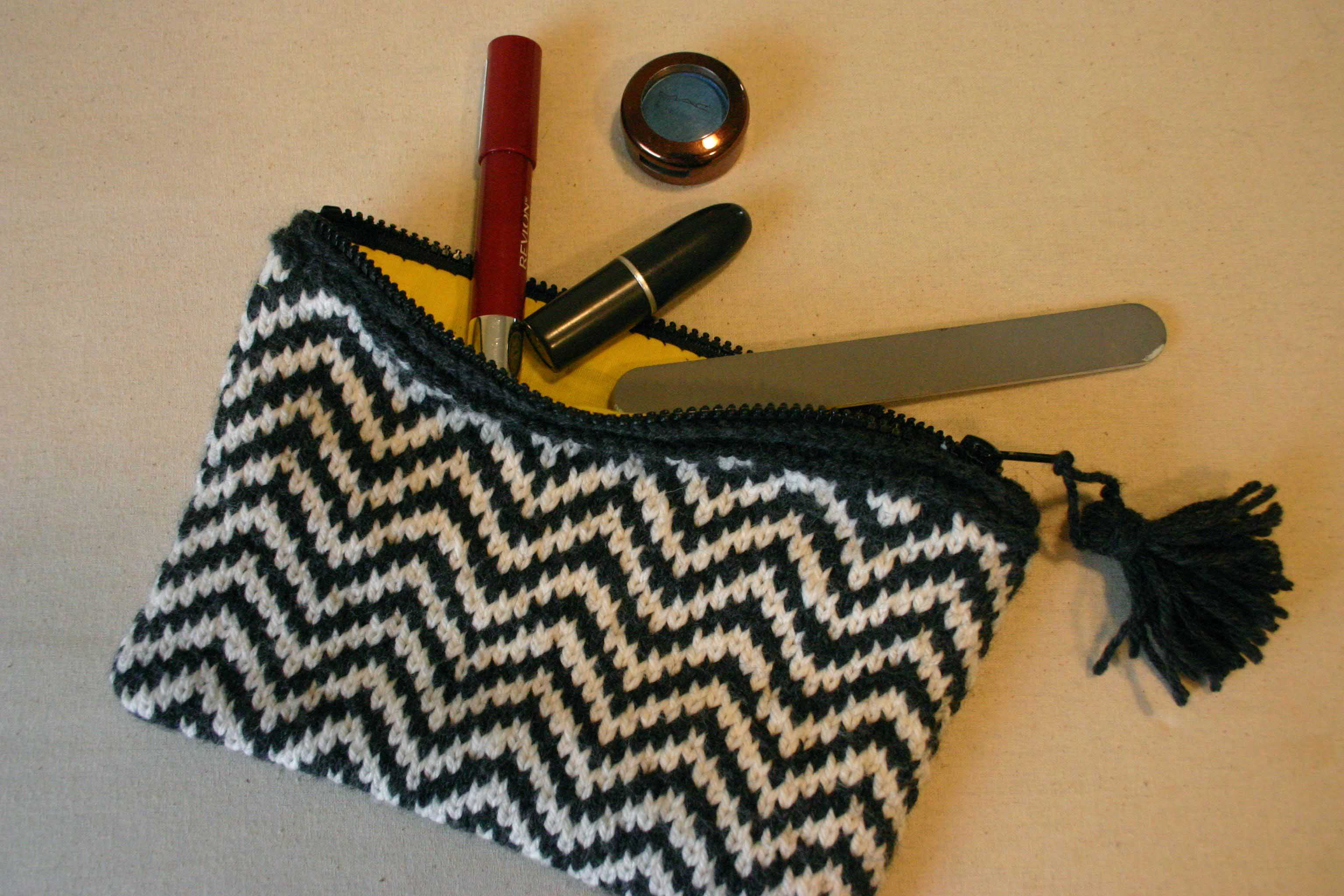 zippered pouch | Love Is All You Knit